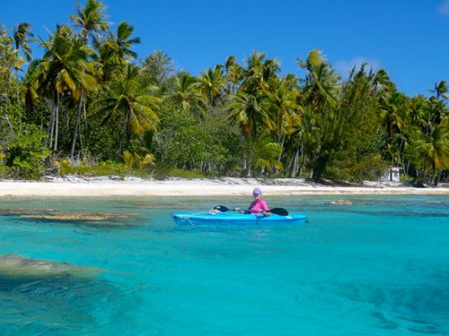 Sheryl Wright, Kayaking the Tuamotus