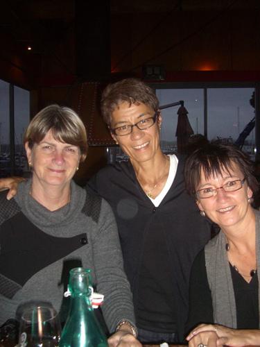 Kath James, Julie Kleve, Annie Quinlivan in Napier